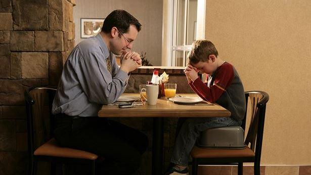 Cómo orar a Dios para que me escuche